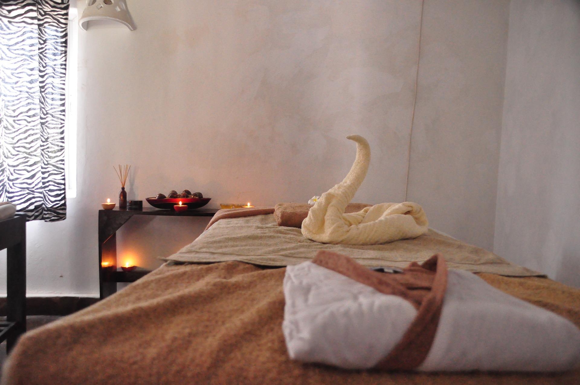 Lierre-massage-table